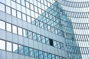 新型高透光玻璃阻隔九成红外光 节能指标刷新世界纪录